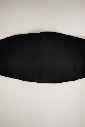 rouška černá